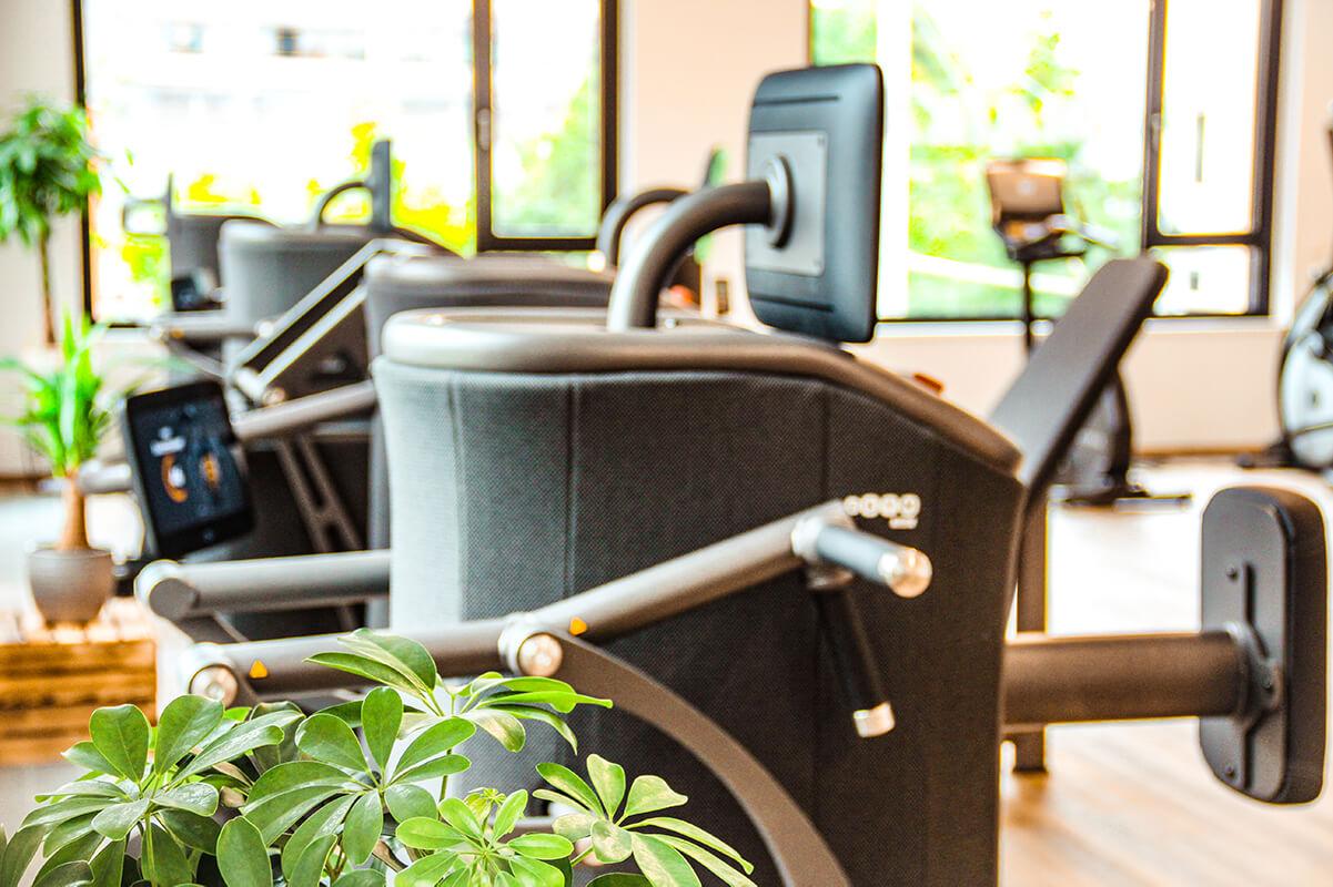 Kraftrainingsgeräte im Fitnessstudio MAIKAI in Salzburg Mülln