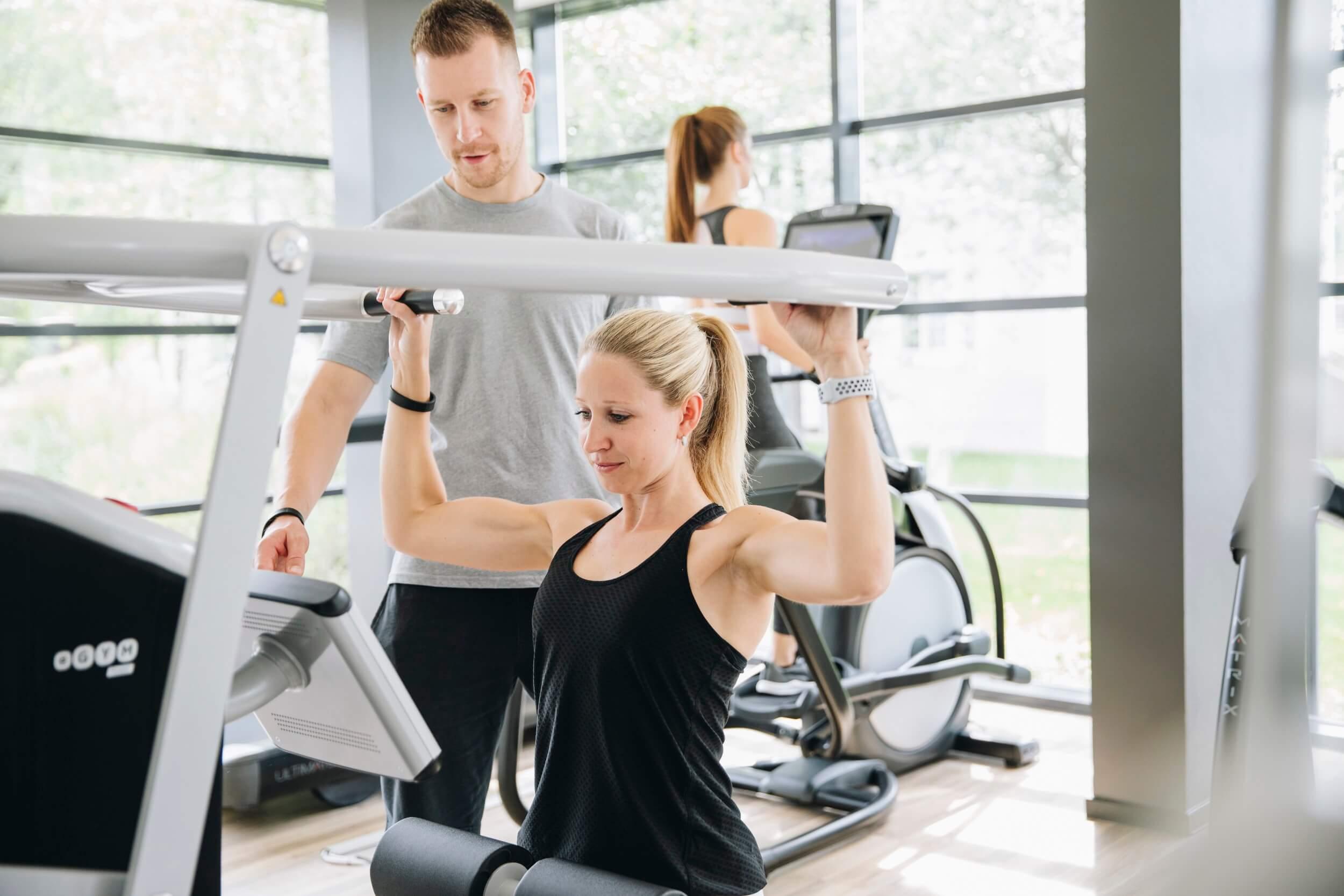 Schultertraining bei MAIKAI Fitness
